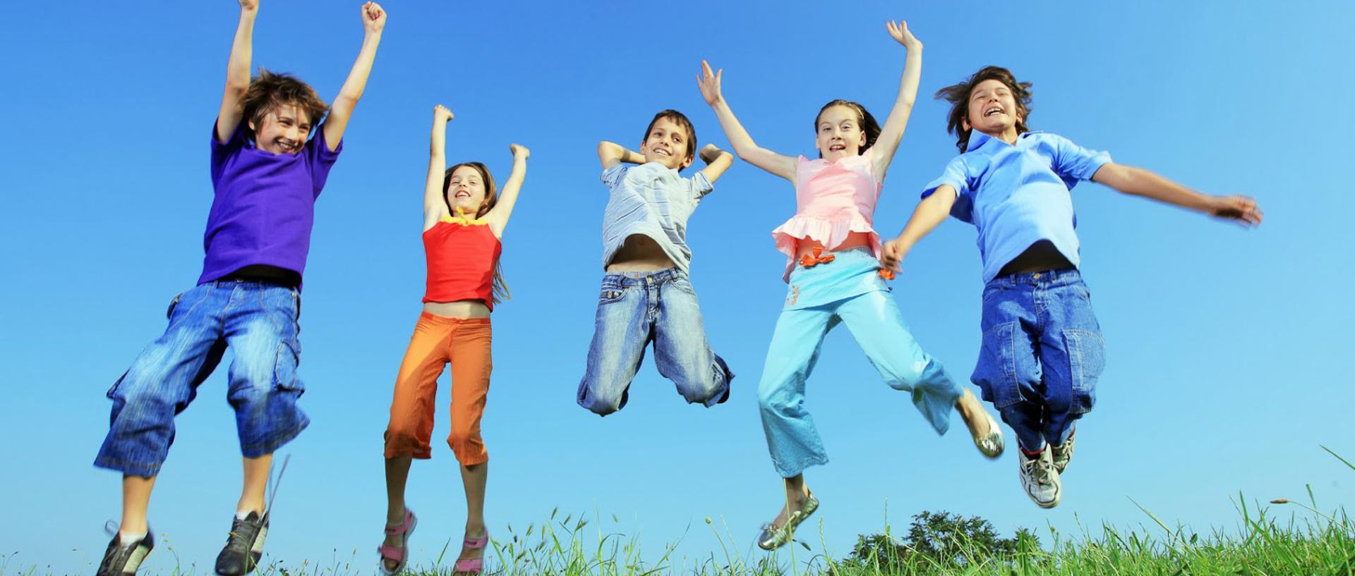 Niños-saltando