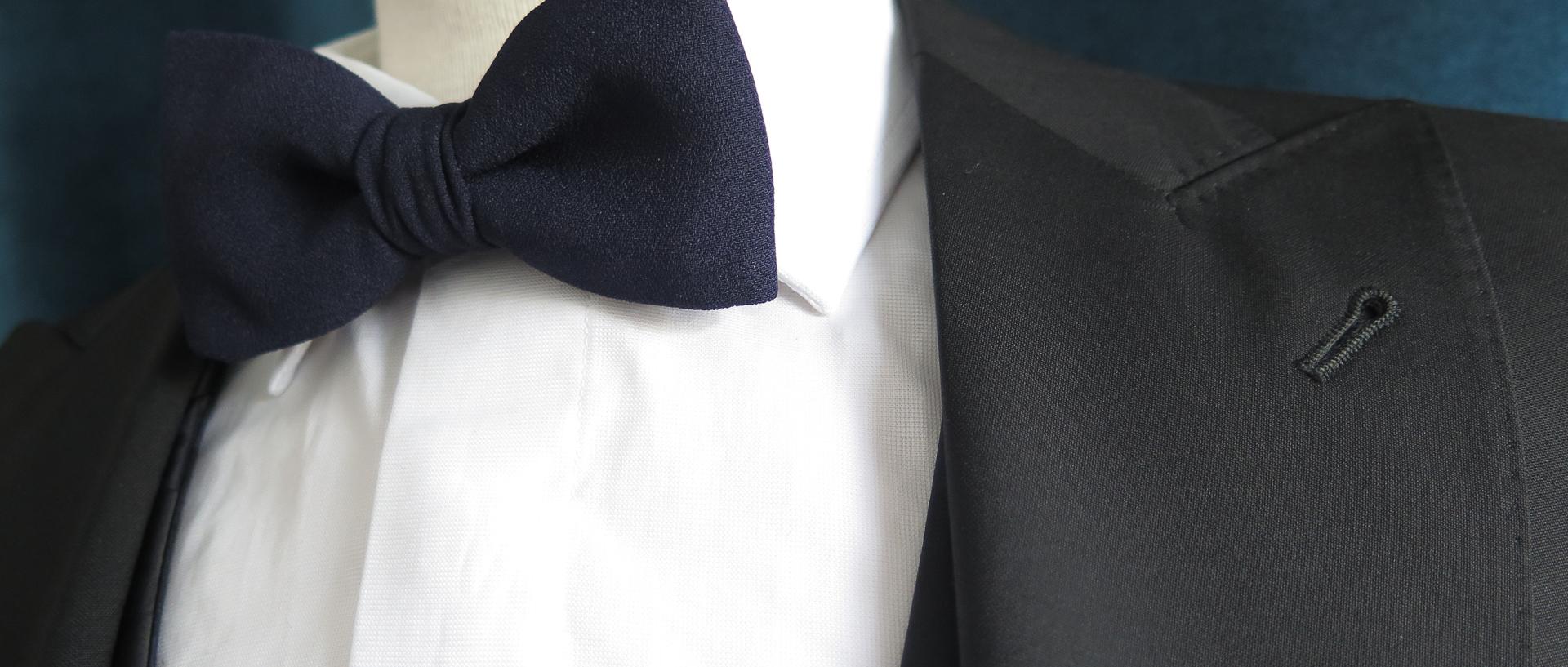 traje_combinacion_azul_negro