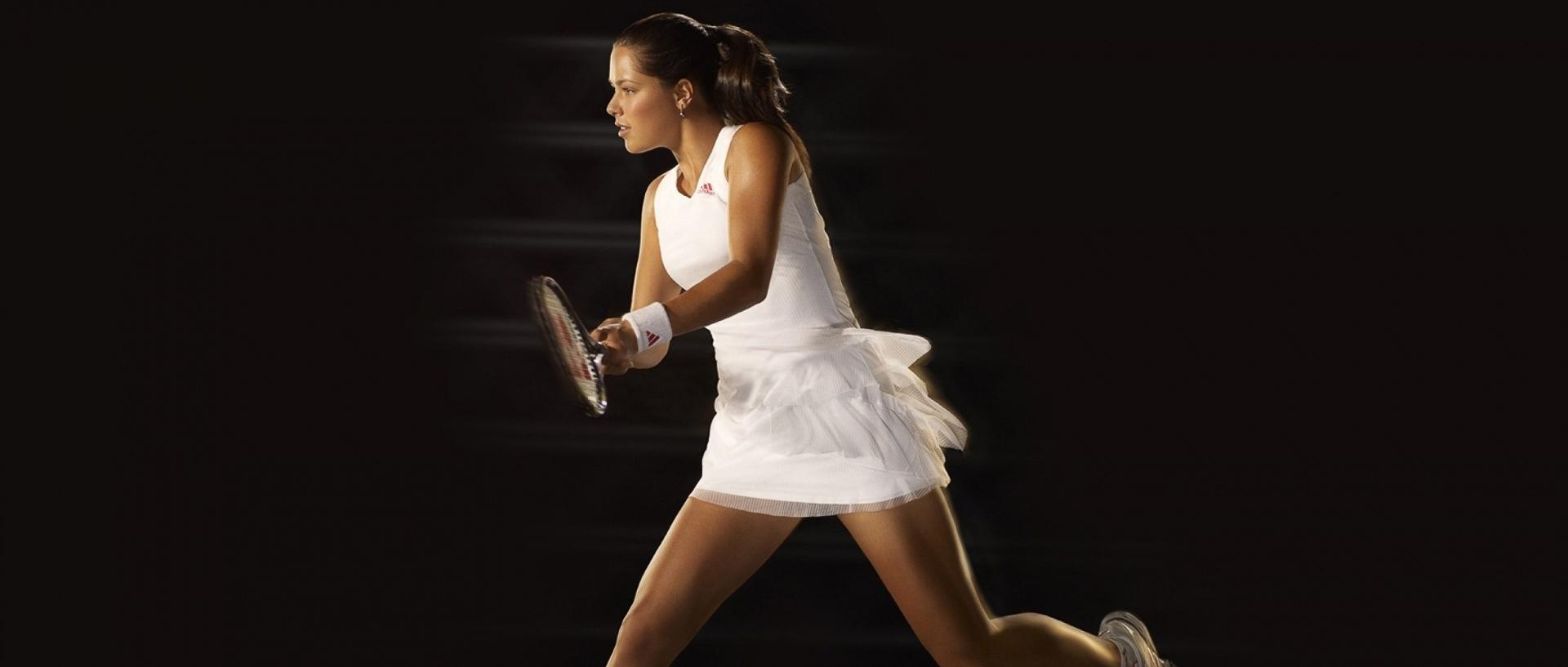 Chica-jugador-de-tenis-1800x2880